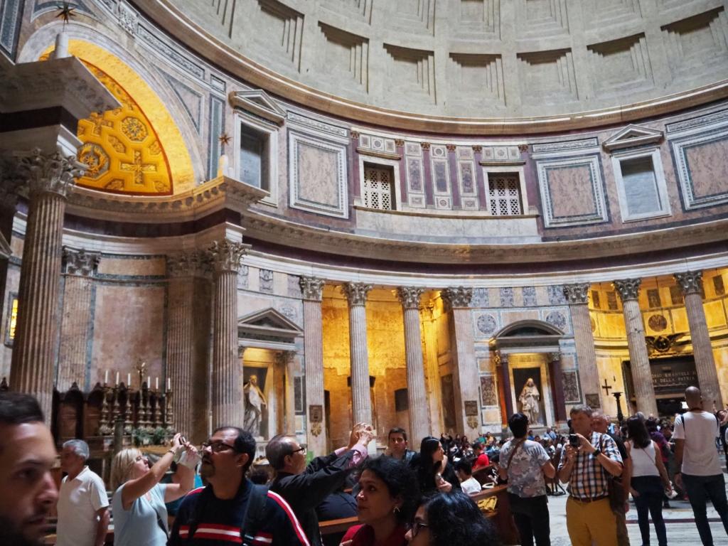 Вътрешността на Пантеона
