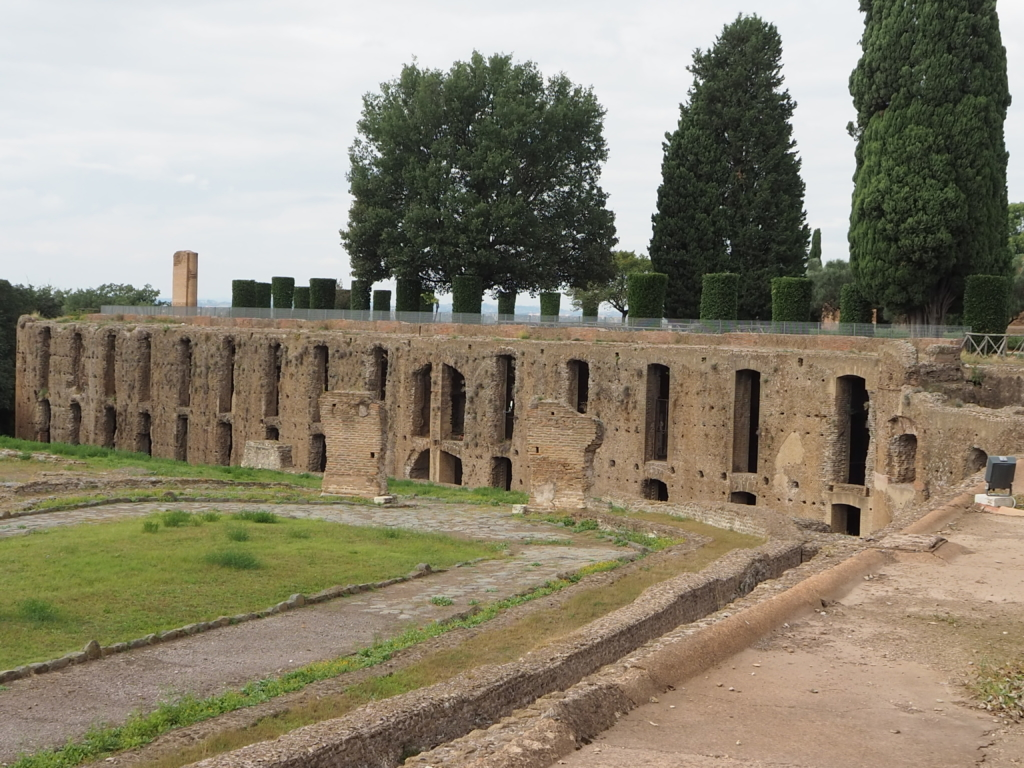 The Wall of 100 Rooms - the premises for the servants at Villa Adriana