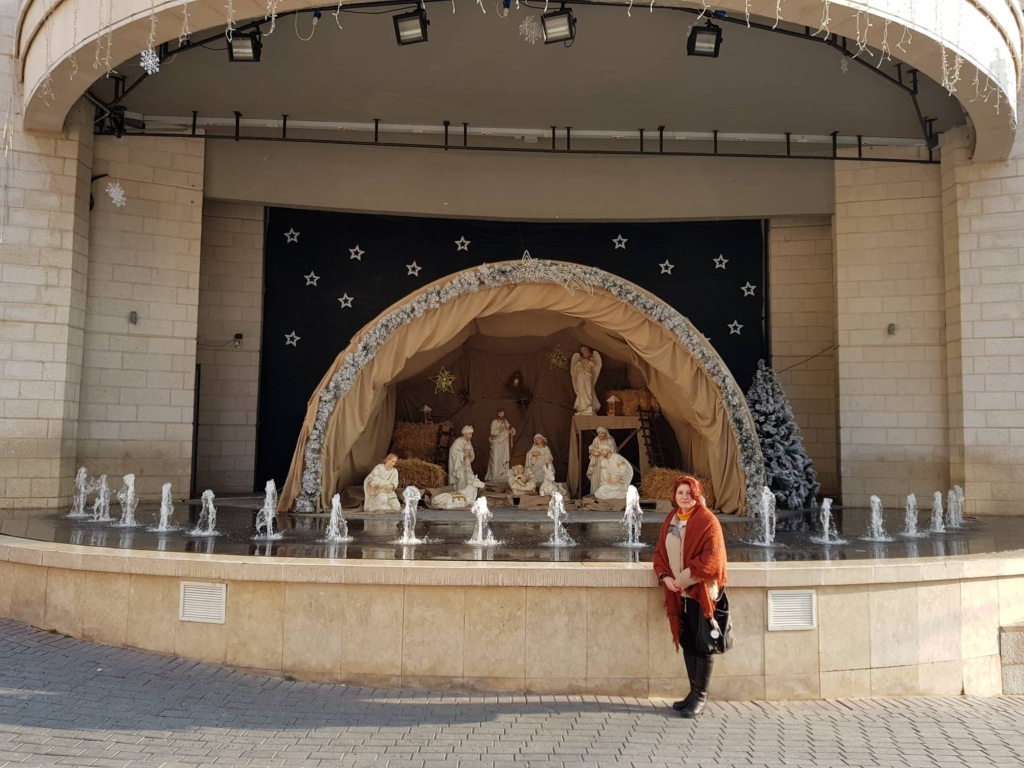 What to see in Ramallah - the stage at the back of the Municipality hall